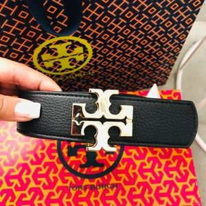 """NWT Tory Burch 1.5"""" Reversible Leather belt. ♥️"""